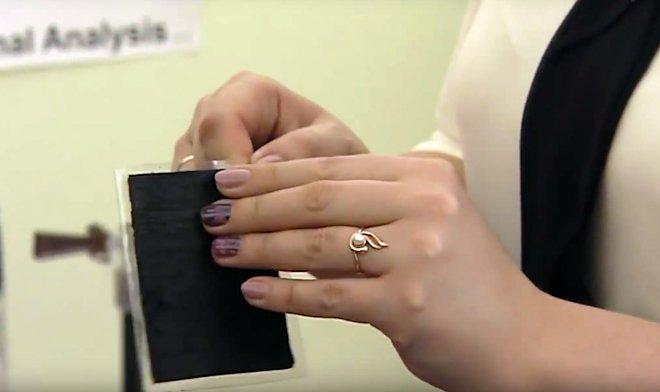 Томские ученые разработали «вечный» защитный экран для смартфона