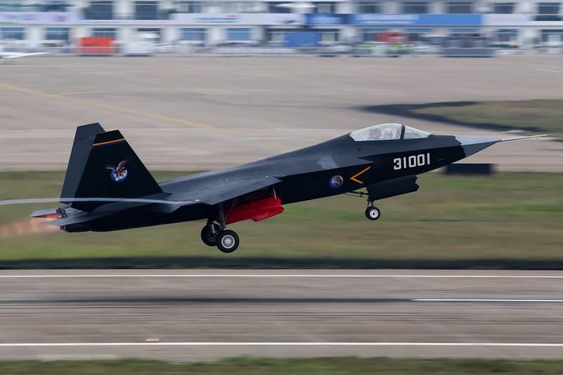 Истребитель пятого поколения Shenyang FC-31. Инициативная разработка для флота и экспорта