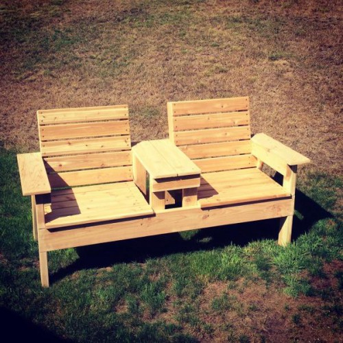 Совмещенные деревянные кресл…