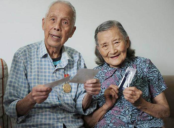 """8. """"Когда нам будет по 100 лет, мы снова вернемся сюда, хорошо?"""", добавила счастливая жена."""