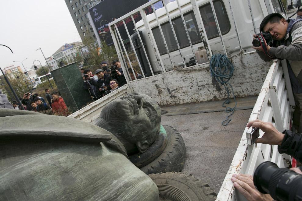 """""""Свергнутый"""" Ленин в Улан-Баторе, Монголия"""
