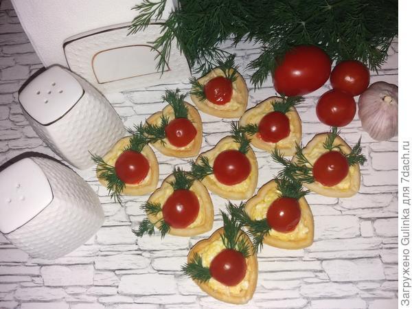 Вкусные и сытные тарталетки с помидорками черри  В избранное!