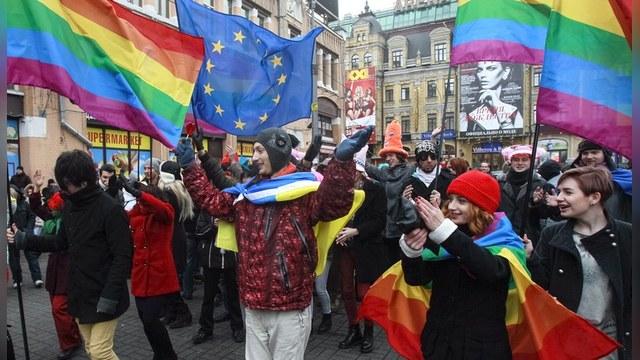 Корреспондент: Гей-парад в Киеве не продлился и полчаса