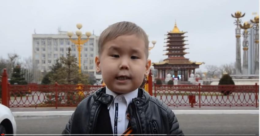 Будущий Народный артист Джеваков Саша, 5 лет