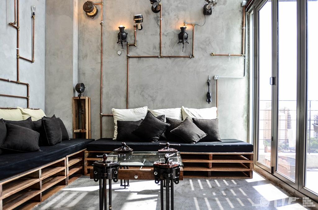 Ну очень аскетичная квартира в стиле лофт