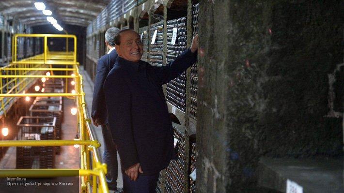 Берлускони опроверг информац…