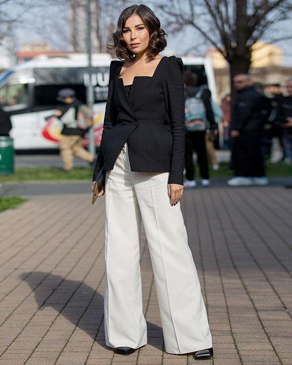 чёрны оригинальный пиджак и штаны белые фото