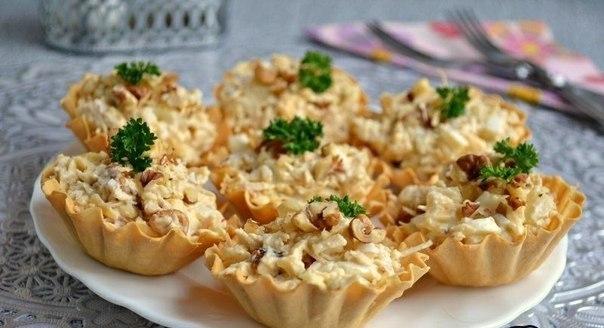 Салат с курицей и ананасом в тарталетках. Гордость праздничного стола!