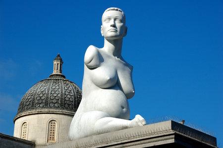 История,  поразившая  известного скульптора Марка Куинна