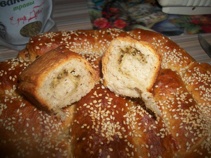 Итальянский хлеб с сыром и прованскими травами.