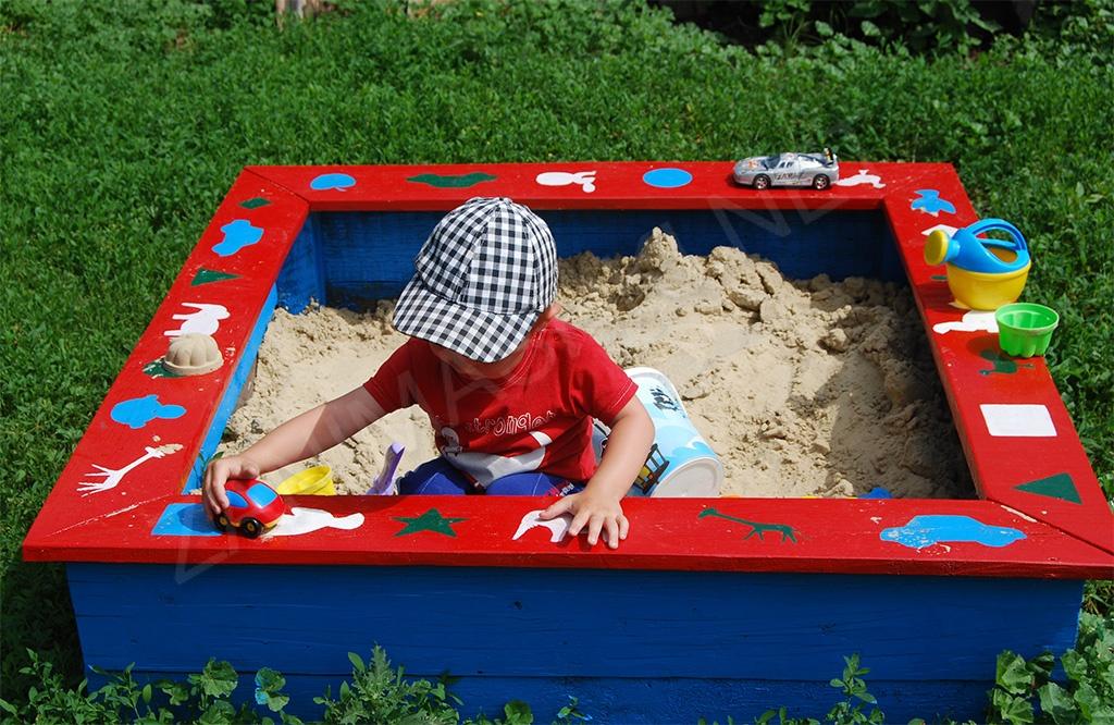 Песочница для дачи фото