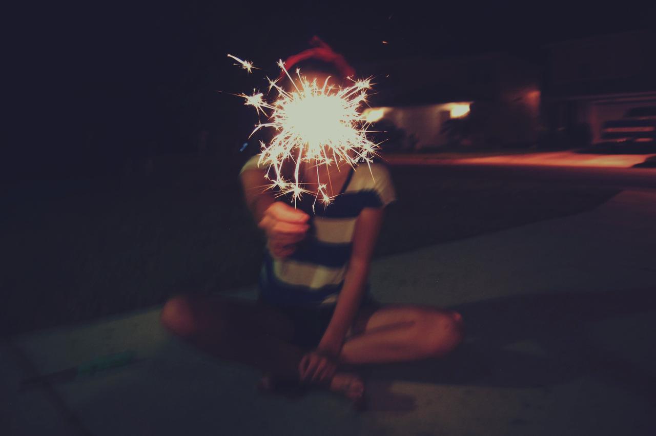 Фото на аву девушек с огнем