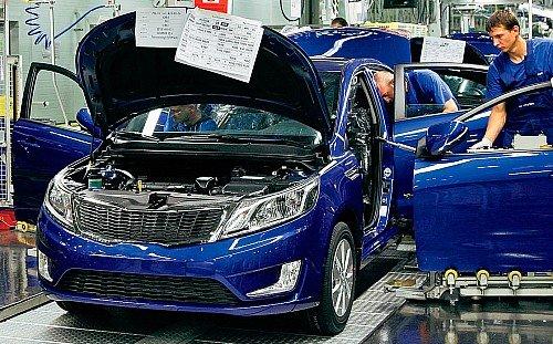 На холостых оборотах: почему пустеют конвейеры российских автозаводов