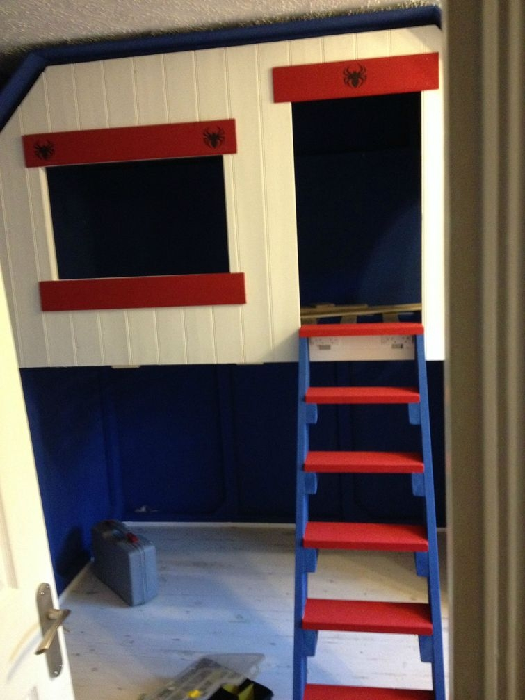 Отец построил сыну супергеройский домик на дереве прямо в его комнате домик на дереве, отец, своими руками, сын