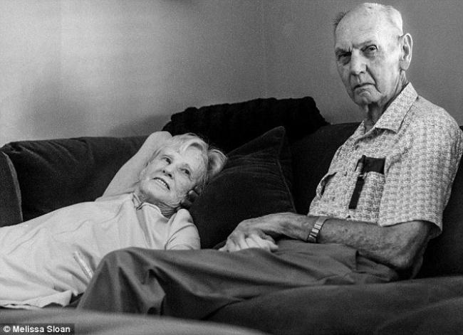 Вот так, чёрт возьми, надо любить! Вот так: они были женаты 62 года и умерли в один день
