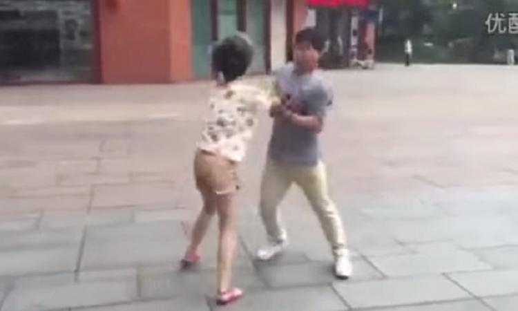 знакомства китайцев драка