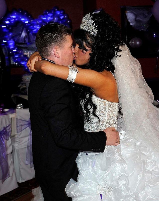 Гламурная цыганская свадьба. (23 фото)