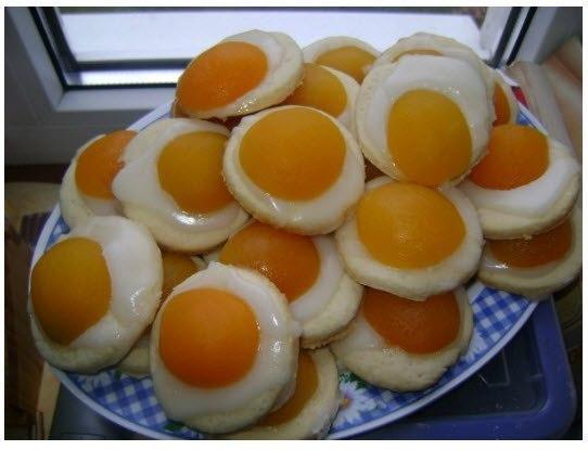 Печенье с абрикосом. - 400 гр консервированных абрикос - 100 гр масла сливочного - 1 яйцо - 1 ст...