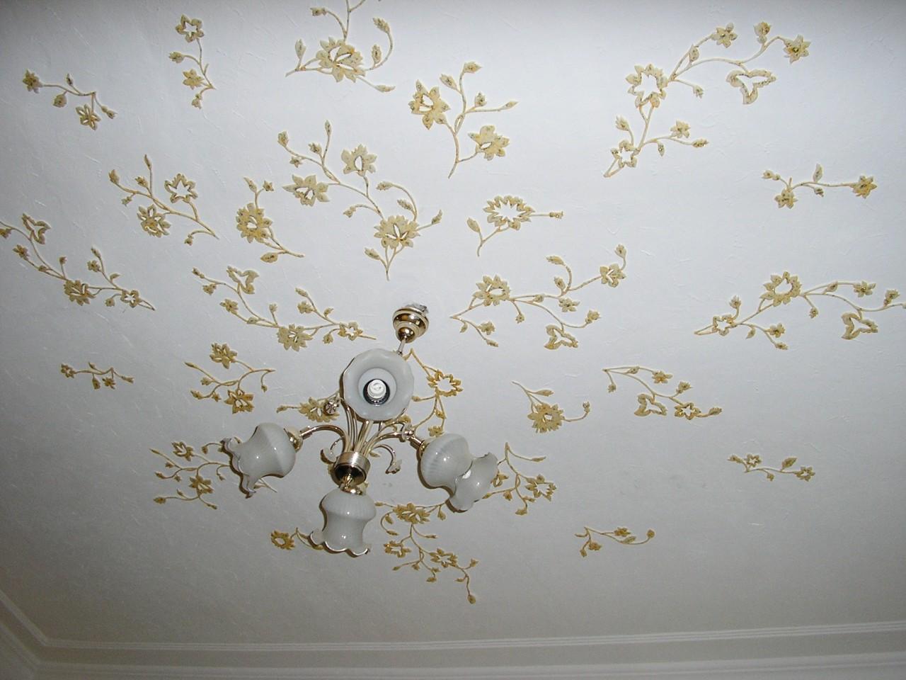 Потолок украсить своими руками