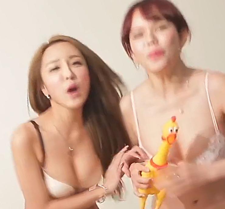 Русская блядь наказана камшотами порно