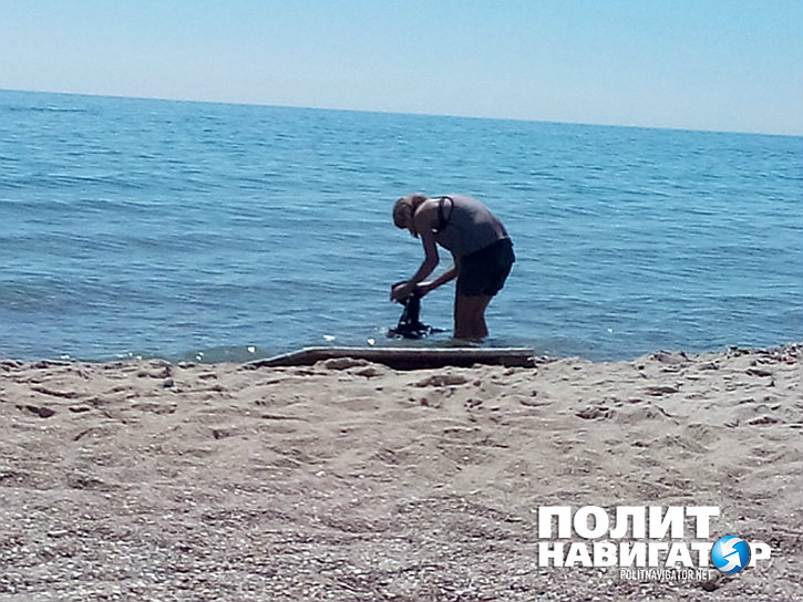 Одесса, «здобуття»: титульная нация моется в море… с мылом!
