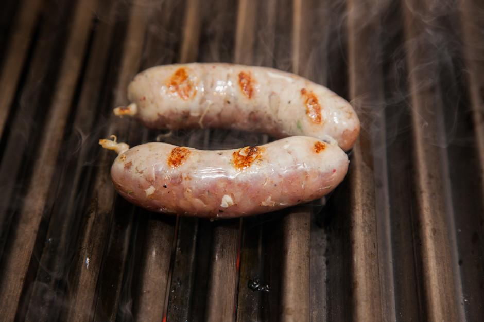Колбаски из курицы и индейки.  Рецепт от ресторана BB Grill