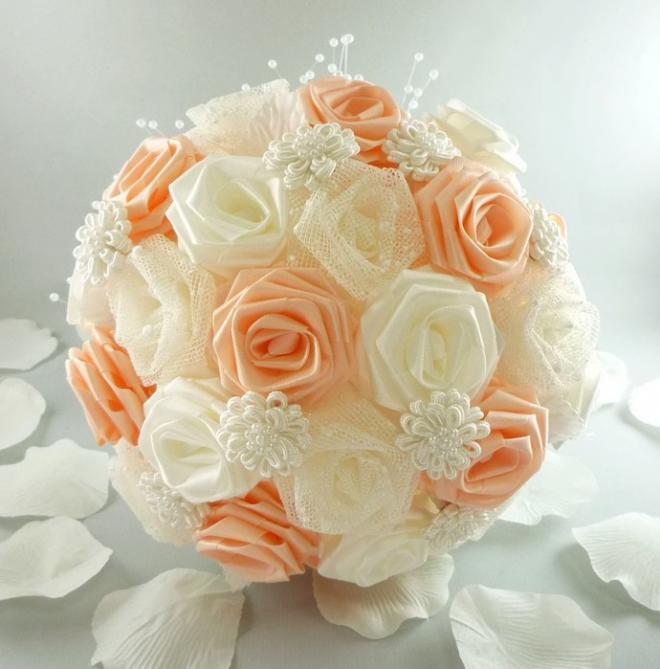Букеты цветов из лент