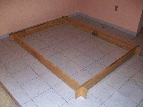 Деревянная сборная кровать для дачи