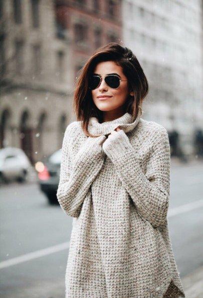 Как оригинально носить свитер этой осенью