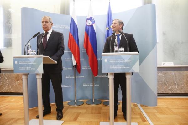 Лавров: Закон ореинтеграции Донбасса перечеркивает Минские соглашения