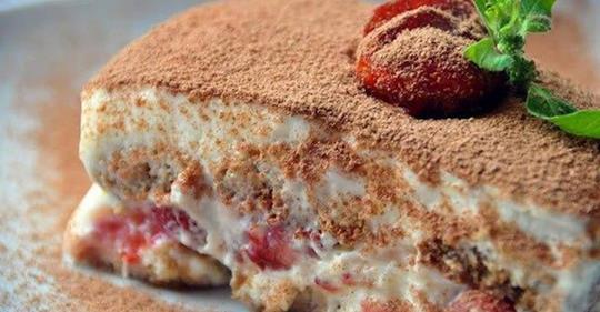 Нежный клубничный тирамису — десерт на миллион!