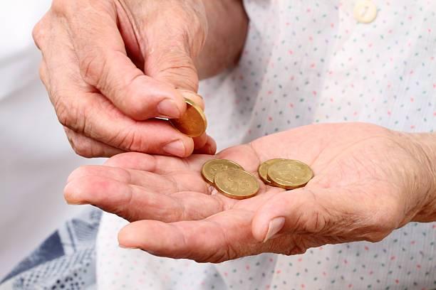 Росстат: В России стало меньше бедных