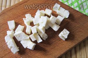 После чего займёмся сыром. Я предпочитаю адыгейский, но как говорят: «о вкусах не спорят». Каждый может выбрать то, что ему по душе.