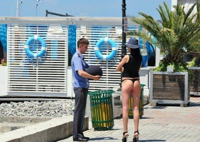 А ещё в Сочи сотрудники полиции всегда приходят на помощь WTF?, Города России, прикол, россия, сочи, странности, юмор