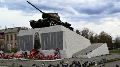 В Молдавии по указанию министра обороны демонтируют советские памятники-танки времен ВОВ