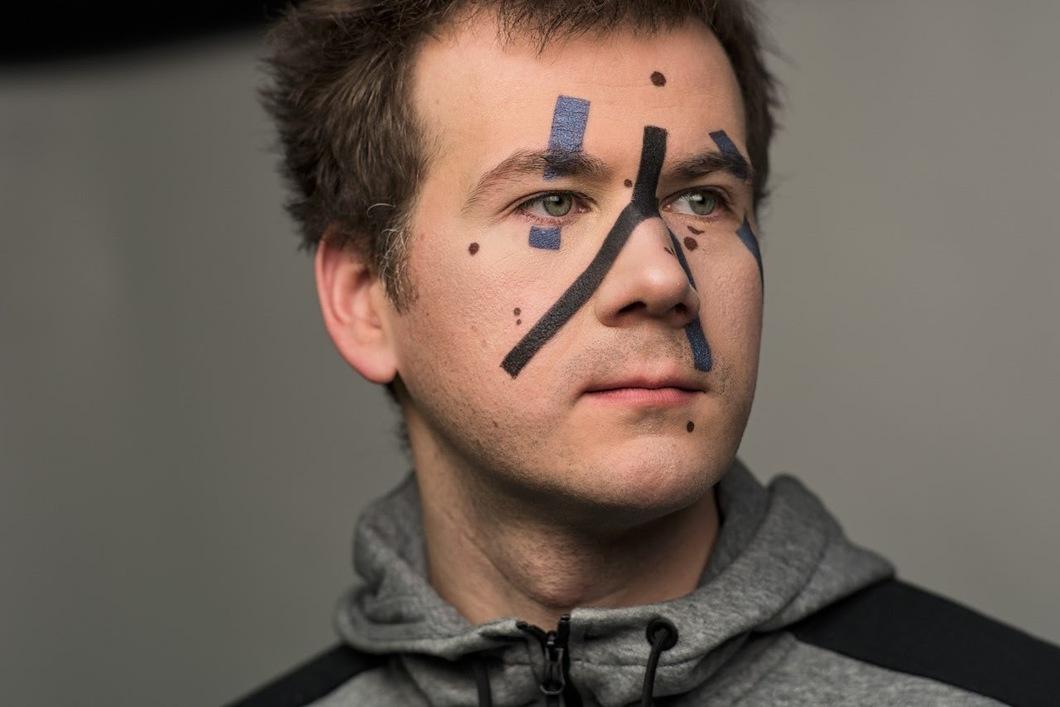 Никакой макияж не поможет обмануть алгоритмы распознавания лиц