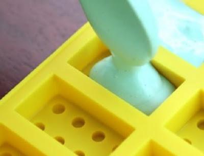 Вот почему я храню кусочек мела в ящике со столовыми приборами! Эти 14 трюков удивительны…