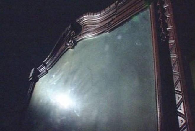 Зачем в доме, где умер человек загораживают зеркала