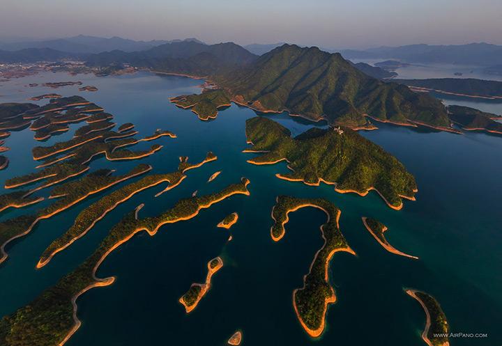 Озеро тысячи островов в Ханчжоу, Китай