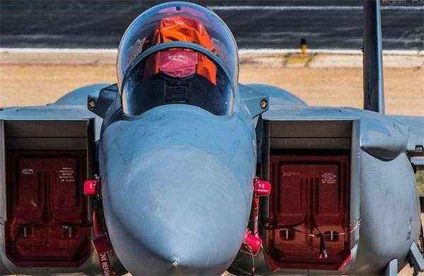 """Саудиты решили участвовать в учениях """"Красный флаг"""" на F-15SA прямо с завода"""