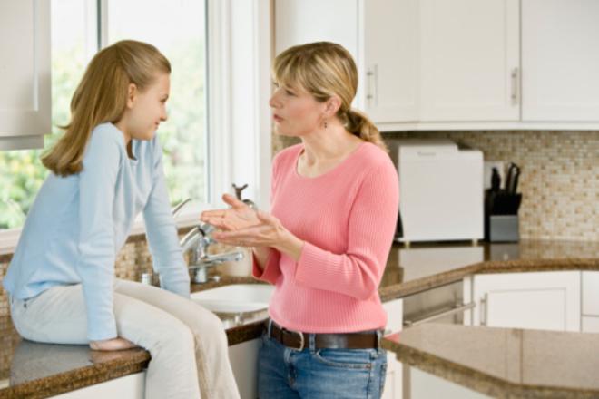 Названы 7 болезней, которые передаются от матери