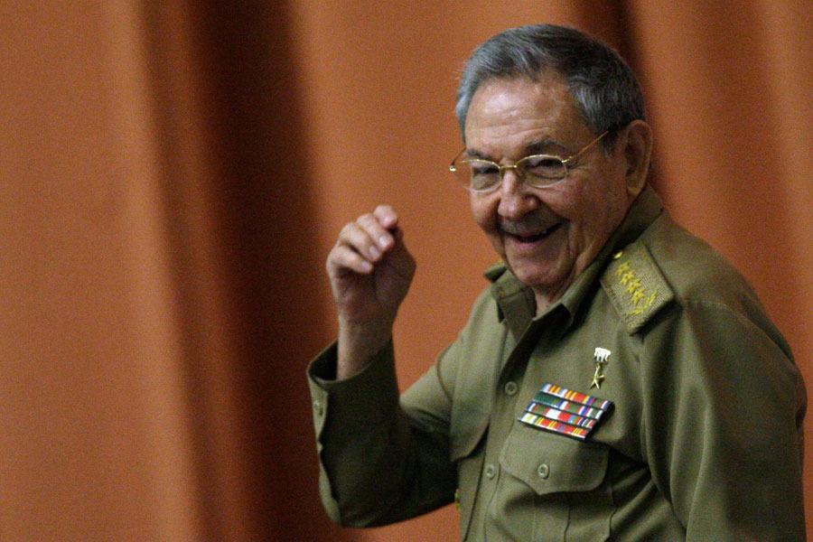 На парад Победы в Москву приедет кубинский лидер