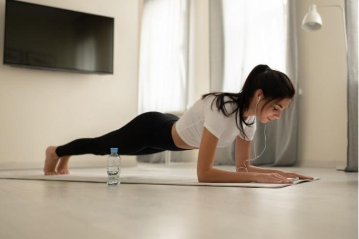 Планка - королева всех упражнений. / Фото: championat.com