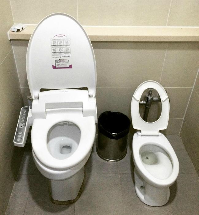 Туалет для матери и ребенка.