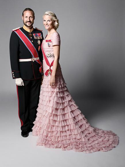 ru_royalty: Новые официальные фото королевской семьи Норвеги…