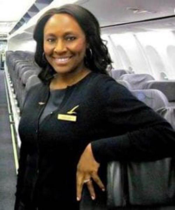 Этот рейс изменил ее жизнь.  Шелия сразу поняла, что тут «что-то не то»