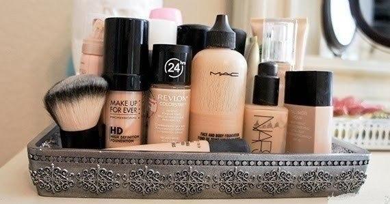 Скрывай различные дефекты кожи, применяя разные цвета.