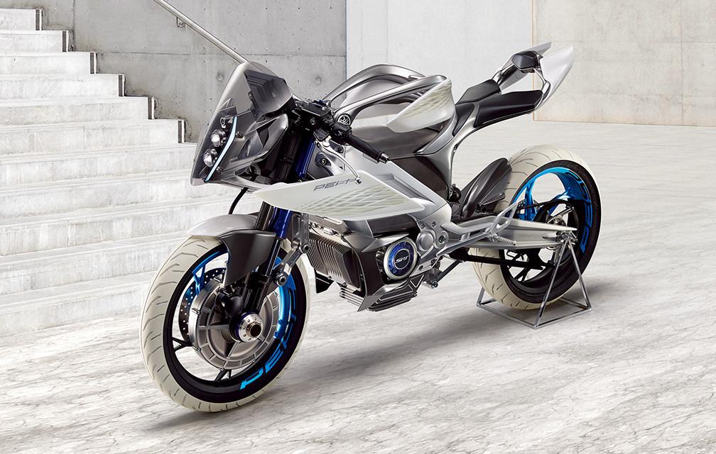 Теперь мотоциклы и с передним приводом
