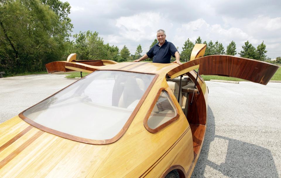 Американец создает уникальные автомобили из дерева
