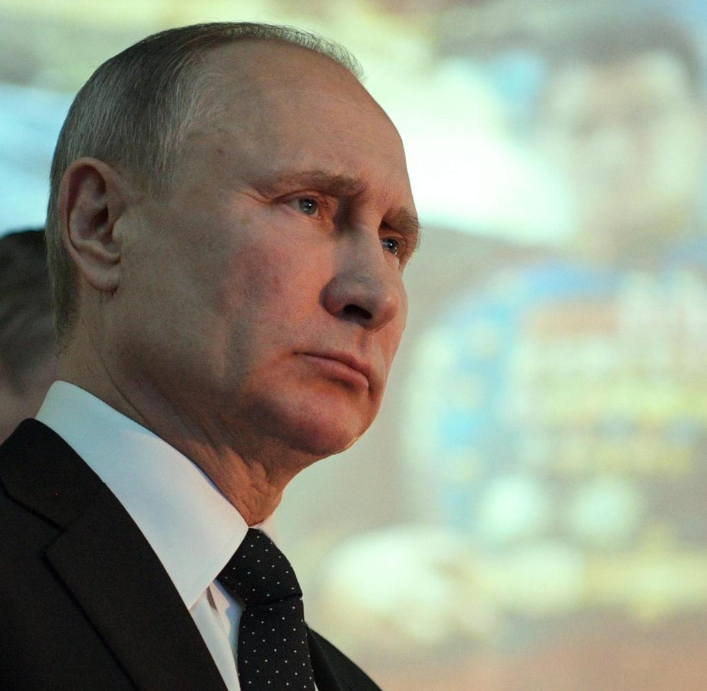 Путин по-тихому формирует ко…